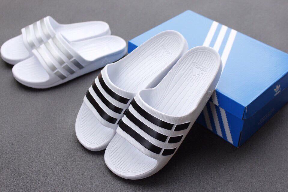 dép Adidas trắng sọc đen