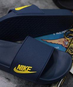 Dép Nike tím than logo vàng